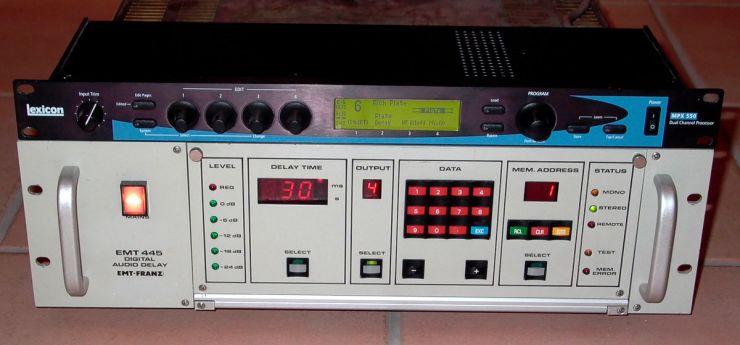 Das Lexicon MPX 550 bietet viel mehr Hall-Effekte, als sich mit dem EMT Delay 445 und der Goldfolie verwirklichen lassen, klingt aber bei weitem nicht so satt
